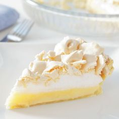 Easy delicious and healthy Paleo Lemon Meringue Pie recipe from SparkRecipes. See our top-rated recipes for Paleo Lemon Meringue Pie. Paleo Sweets, Paleo Dessert, Healthy Desserts, Delicious Desserts, Healthy Treats, Easy Desserts, Lemon Pie Recipe, Lemon Dessert Recipes, Pie Recipes