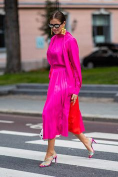 The Best Street Style at Oslo Fashion Week Pink Fashion, Fashion Photo, Fashion Looks, Fashion Outfits, Womens Fashion, Fashion Trends, Style Fashion, Fashionable Outfits, Cheap Fashion