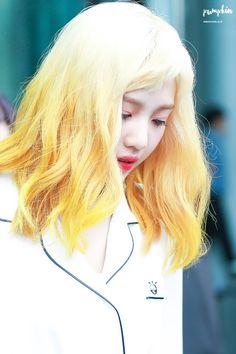 Joy // Red Velvet // I actually really like this hair.