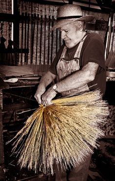 The first American Hands newsletter is out, featuring the photos and story of Richard Moore, the broommaker. This link takes you right to it, where you can sign up for future (infrequent) issues.