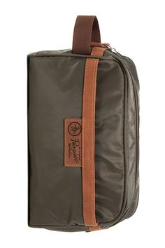 For the traveling dad - this nylon travel kit is ideal for business and leisure trips