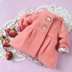 Готовимся к весне! Как же хочется уже ярких красок и теплых дней! #весеннеенастроение #весна #пальто #розовый #одеждадлякукол #кукольнаяодежда #пальтодлякуклы #стильно #модно #своимируками #люблюшить #шьюсама #dress #clothes #clothing