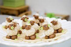 Beijinho de coco em forma de ovelhas