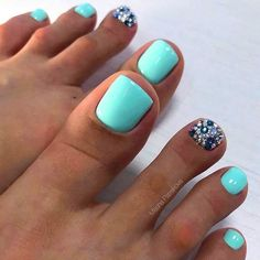 42 Trending Toe Nail Art Designs To Try In 2020 Spring And Summer - Toenail design is important as your fingernails, especially during the spring and summer. Blue Toe Nails, Gel Toe Nails, Pretty Toe Nails, Toe Nail Color, Summer Toe Nails, Feet Nails, Pretty Toes, Toe Nail Art, Manicure And Pedicure