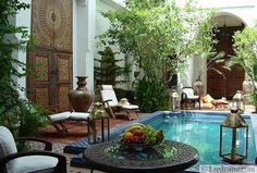 outdoor home decorating in moroccan style