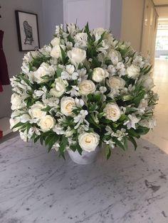 Jodri #arranjo #flower #whiteroses #bouquet