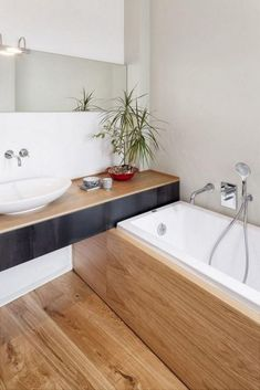 If you have a small bathroom in your home, don't be confuse to change to make it look larger. Not only small bathroom, but also the largest bathrooms have their problems and design flaws. Small Bathroom With Tub, Modern Small Bathrooms, Wooden Bathroom, Bathroom Design Small, Amazing Bathrooms, Bathroom Designs, Bathroom Ideas, Bathroom Bench, Bathroom Cabinets