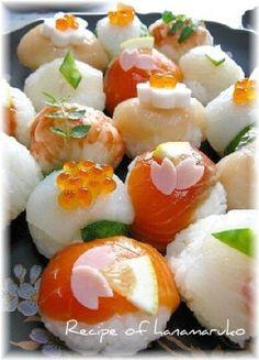 「コロンと可愛い~♪ひな祭りのてまり寿司☆」ひな祭りに、てまり寿司を作ってみました。お刺し身はお好みのもので。【楽天レシピ】