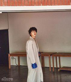 Yoon Si Yoon in Allure Korea June 2017 Korean Men, Asian Men, Dong Gu, Jang Nara, Yoon Shi Yoon, Handsome Korean Actors, Best Dramas, Detroit Become Human, Japanese Men