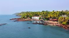 With a 105 km long coast line lapped by the Arabian Sea. Bordered by the states of Maharashtra and Karnataka, Goan temperate, climate, diverse landscapes, wide, sandy, palm-fringed beaches, clean waters and an aura of serenity attract many tourists from all over the world.