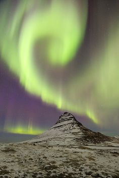"Northern Lights & the mountain ""Kirkjufell"" - Iceland"