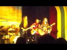 Caravan Music Club, Melbourne. Hearts Nancy Wilson joins Anne McCue for a good ol fashioned jam... 2011