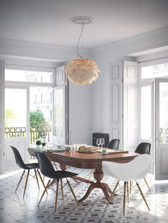 First project with Corona Renderer. Interior design based on a real image.