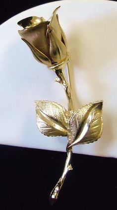 Stunning Vintage Gold Tone Articulated Realistic Long Stem Flower Brooch or Pin #UnsignedBeauty