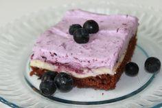 Glutenfri brownie med cheesecake och grädde