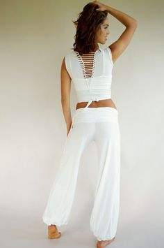 Harem pants by Queen of Hearts. Gypsy pants great for yoga. Shop yoga clothes at The OM Collection. Cute Workout Outfits, Cute Outfits, Flowy Pants, Leggings Are Not Pants, Boho Fashion, Fashion Outfits, Womens Fashion, Zumba Outfit, Gypsy Pants