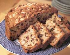 Name of the cake is Dundee Cake, It's different because it is the only cake that contains lots of dry fruits and creamy and flavorful ingredients that make Tasty Indian Recipe, Indian Dessert Recipes, Indian Recipes, Dundee Cake Recipe, Cake Recept, Heritage Recipe, Scottish Recipes, Cake & Co, Carrot Cake