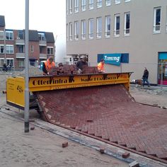 Street laying in Holland!! What!!! Is this for real...if so amazing!