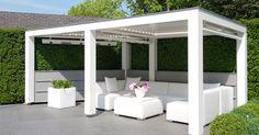 Een louvredak is een aantrekkelijk alternatief voor zonwering en dichte terrasoverkappingen