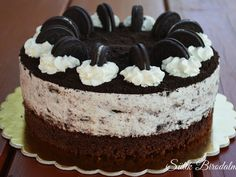 Oreo torta recepttel / Amazing Oreo cake with recipe (Sütik Birodalma) Cupcake Recipes, Cookie Recipes, Simple Elegant Cakes, Torte Cake, Cold Desserts, Fun Cooking, Cake Cookies, Mousse, Cake Decorating