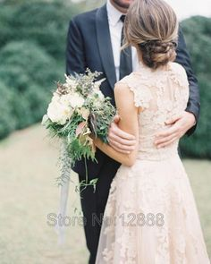 V Neck Lace Wedding Dresses 2016 A-line Bridal Gowns Vintage Country Garden Wedding Dresses Champagne Wedding Gowns Cap Sleeves
