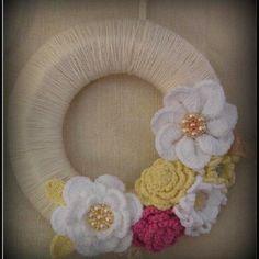 Crochet wreath ....I made it!