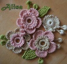 Quick Crochet - Jogo Cozinha Clássico - Jogo de Cozinha de Crochê - Cris Benvenuto Crochet Puff Flower, Knitted Flowers, Crochet Flower Patterns, Freeform Crochet, Irish Crochet, Crochet Motif, Crochet Hood, Crochet Crafts, Yarn Crafts