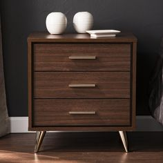 Walnut Bedside Table, Modern Bedside Table, 3 Drawer Nightstand, Bedroom Seating, Table Top Display, Wood Drawers, Tidy Up, Brown Wood, Reading Lists