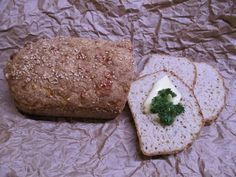 Lähes hiilariton leipä: Tinskun keittiössä