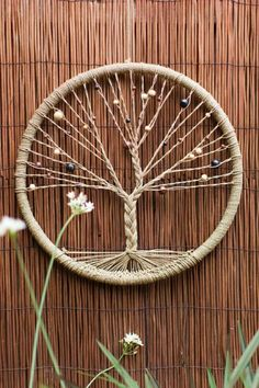 Come to this creative class to create a beautiful Tree of Life Dreamcatcher to c. - Come to this creative class to create a beautiful Tree of Life Dreamcatcher to catch all your dream - Easy Crafts To Make, Fun Crafts, Diy And Crafts, Twine Crafts, Easy Diy, Decor Crafts, Holiday Crafts, Rope Crafts, Feather Crafts