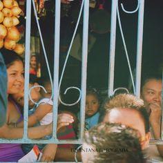 #Esperanza. #Fotografia en las #rutasdelaalegria durante las pasadas elecciones presidenciales en #CostaRica.  #lquintanafoto, #laCarpio #fotografía, #nikon, #nikkor, #nikonphotography,  #photographers on tumblr, #nikontop, #ig_costarica, #costaricalife, #tumblr, #d50, #nikonista, #portrait,  #photodocumentary, #travelphotography, #fotoperiodismo #carpio #precario #sonrisas #theworldisee