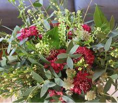 Les Mauvaises Herbes #flowers #flowershop #fleuristbordeaux #wild #commeaujardin Bouquet: eucalyptus/scabieuse/thlaspi/astrance/wax