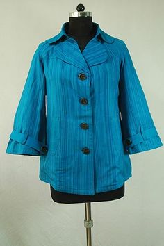 Blue Shaded Warm Jacket, Notched collar, Single breasted button front closure, Long sleeves.
