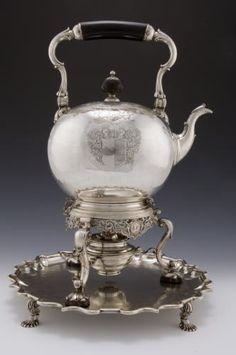 Silver tea-kettle and stand, by James Mitchelson, Edinburgh, 1736 - 1737 Vintage Silver, Antique Silver, Silver Teapot, Copper Pots, Teapots And Cups, My Cup Of Tea, Tea Service, Tea Bowls, Tea Set