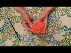 Rosa feita de toalha - YouTube Washing Clothes, Baby Shower Gifts, Origami, Diy And Crafts, Make It Yourself, Flowers, Blog, Baby Showers, Decorating