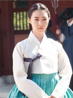 한복 Hanbok : Korean traditional clothes[dress]Splendid Politics(Hangul:화정;hanja:華政;RR:Hwajeong) is a 2015South Koreantelevision seriesstarringCha Seung-won,Lee Yeon-hee,Kim Jae-won,Seo Kang-joon,Han Joo-wanandJo Sung-ha.
