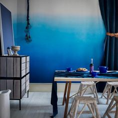 Ombre hair or ombre walls? Tonal blue dining room | Contemporary decorating ideas