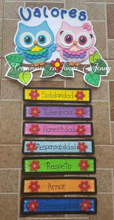 Memorable First Week of School Activities Classroom Organization, Classroom Management, Classroom Decor, Class Decoration, School Decorations, Diy And Crafts, Crafts For Kids, Spanish Classroom, Spanish Lessons