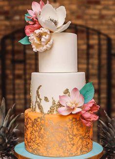Follow us @SIGNATUREBRIDE on Twitter and on FACEBOOK @ SIGNATURE BRIDE MAGAZINE #modernweddingcakes