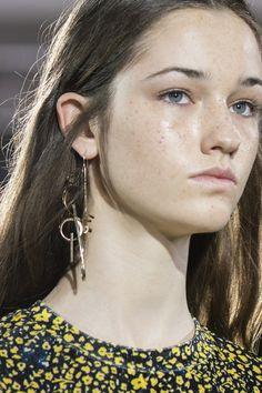 Christian Wijnants at Paris Fashion Week Fall 2017 - Details Runway Photos