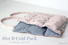 Erin from Sewbon shows how to make a hot and cold pack with handles. Keep it in the freezer for a cold pack. Or, pop it in the microwave and it works as a heating pad. The fabric pack is filled w… Sewing Hacks, Sewing Tutorials, Sewing Patterns, Sewing Ideas, Bag Tutorials, Sewing Basics, Fabric Crafts, Sewing Crafts, Sewing Projects