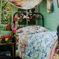 Gypsy bedroom dream rooms, dream bedroom, home bedroom, bedroom decor, flor Dream Bedroom, Home Bedroom, Bedroom Decor, Gypsy Bedroom, Floral Bedroom, Colourful Bedroom, Pretty Bedroom, Decor Room, Dream Rooms