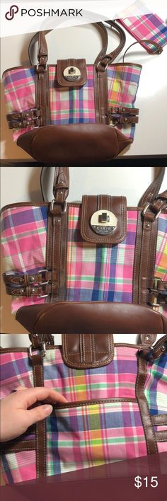⚫️ Pink Colorful Plaid Purse In great condition! Super fun summer purse. One pocket on outside. Zipper pocket inside with some organization as well. Also comes with small makeup bag.   Measurements:  Height: about 11 inches  Width: about 15 inches  Wide: about 8 inches Bags