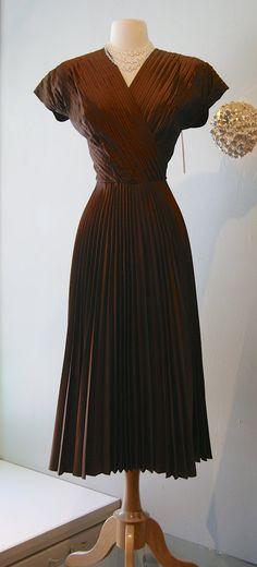 1940s Pleated Taffeta Dress