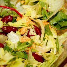 Kana & papu salaatti