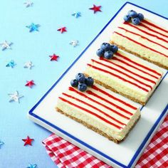 4th of July recipes: American Flag Cheesecake Bars - YUMMY  Pretty