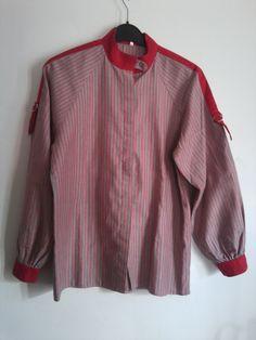 rot-grau gestreifte Bluse