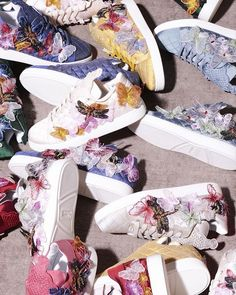 An explosion of colors with the researched details of butterflies. #antonioriva #thesecondshoesantoniorivamilano