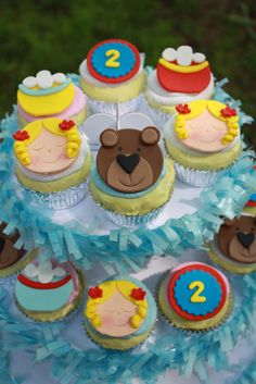 Goldilocks and the Three Bears Fondant by Clementinescupcakes