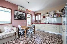 Cocina abierta - AD España, © Airbnb